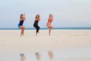 Ashley and girls in Aruba